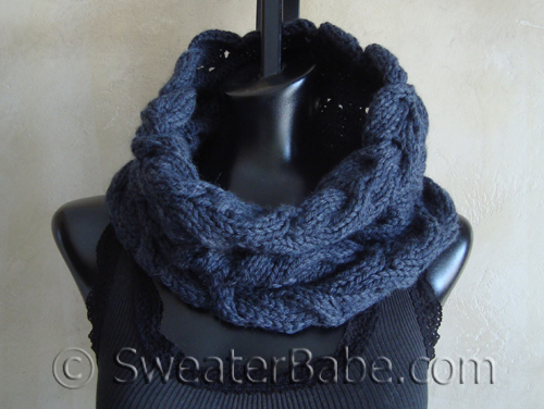 Luscious_Cabled_Cowl2_500
