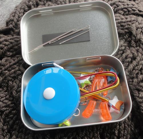 Knitters_Tool_Tin500